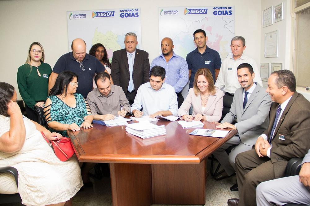 Prefeito Pábio Mossoró assina convênio de 7,6 Milhões com governo do estado