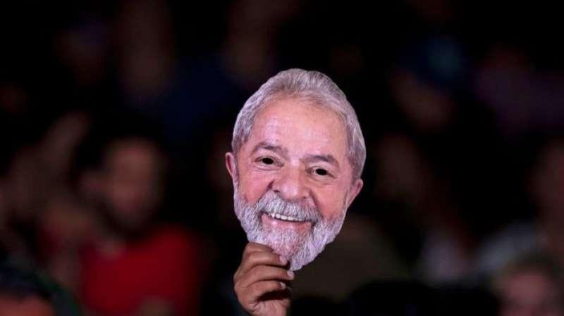 Por candidatura, defesa de Lula desiste do pedido de liberdade para o ex-presidente
