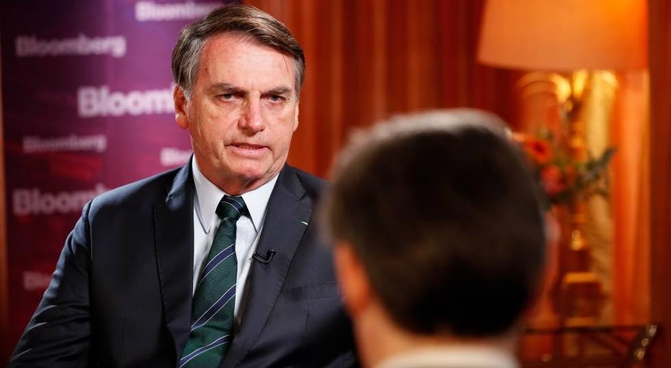 Em entrevista, Bolsonaro diz que seu filho pagará, caso tenha cometido erros