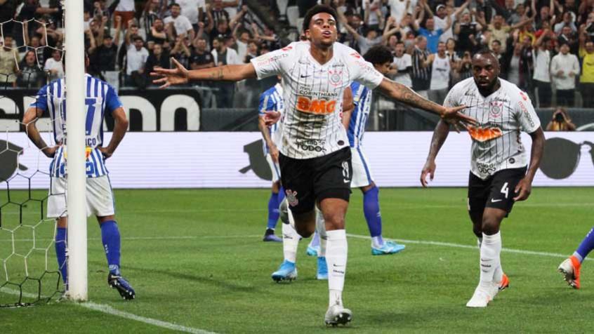 Corinthians vence o Avaí com tranquilidade e demonstra aceitação do time ao estilo de Coelho