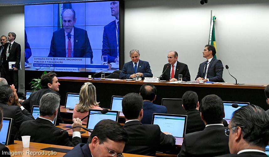 Se a Câmara não aprovar o PLN 4, governo deve suspender pagamento de benefícios. Avisa Bolsonaro