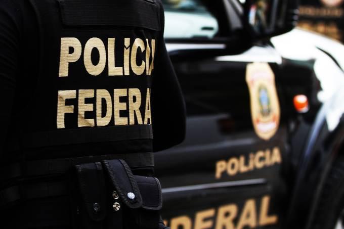 PF cumpre mandato no gabinete de Deputado Federal por Goiás e mais dois