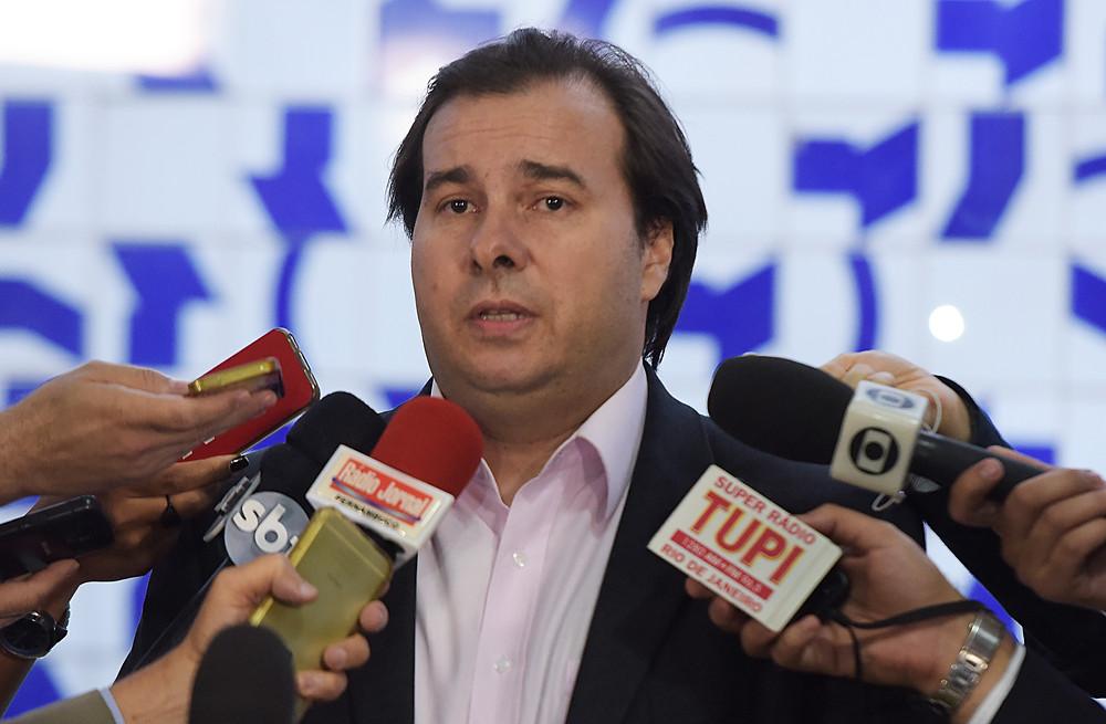 Rodrigo Maia diz que, aumento do Imposto de Renda não passa na Câmara