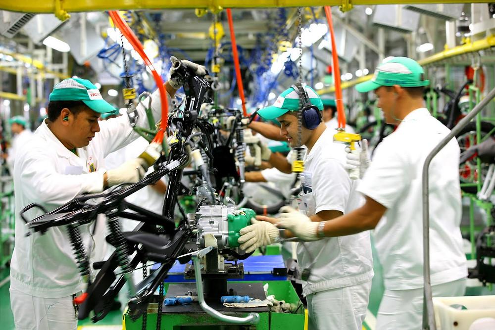 Alta na produção industrial indica recuperação da economia Brasileira