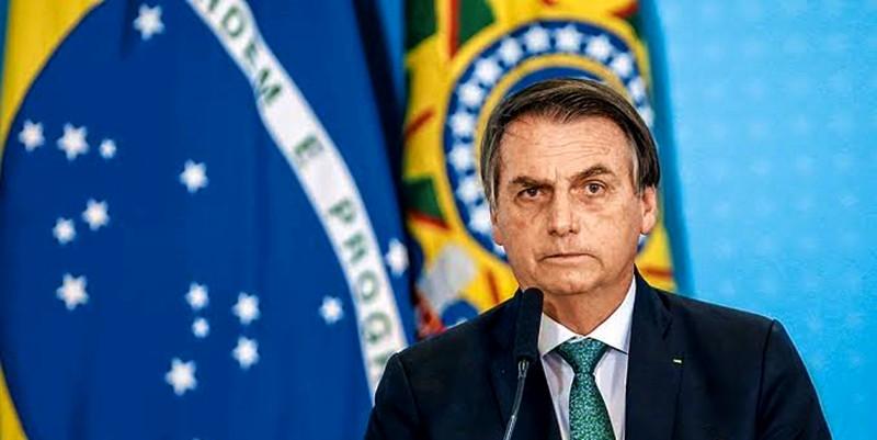 """Bolsonaro sanciona projeto anticrime mantendo o impopular """"Juiz de Garantias"""" que pode beneficiar o filho Flávio"""