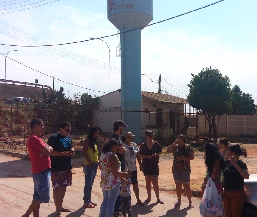 Valparaíso – Moradores sem água cobram responsabilidade de empresa Angla