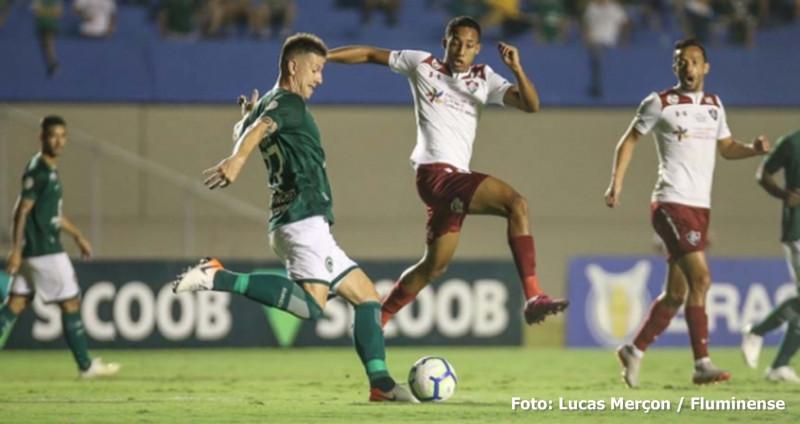 Goiás joga melhor e vence o Fluminense