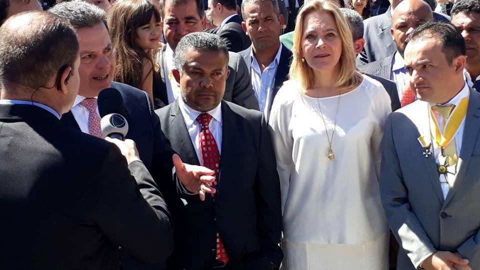 Prefeito Pábio Mossoró é condecorado com a mais alta honraria de Goiás