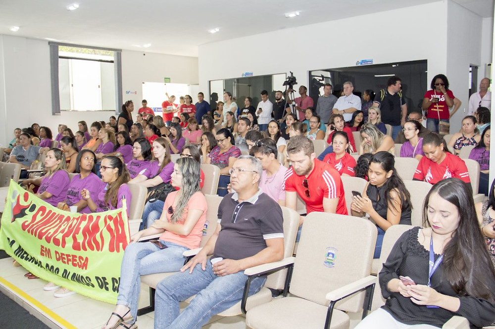 Sindicado volta a lotar sessão da Câmara Municipal em busca de aumento acima do que determina a Lei