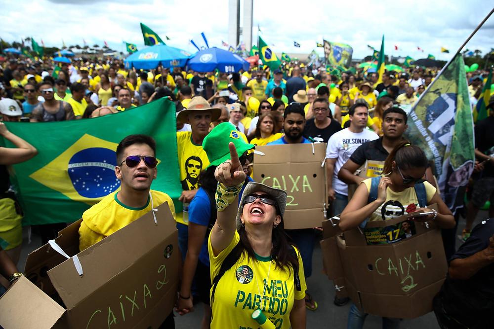Manifestações de apoio à Bolsonaro se espalham pelo Brasil