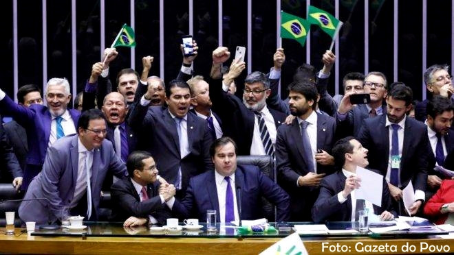 Câmara dos Deputados aprova reforma da previdência em primeiro turno