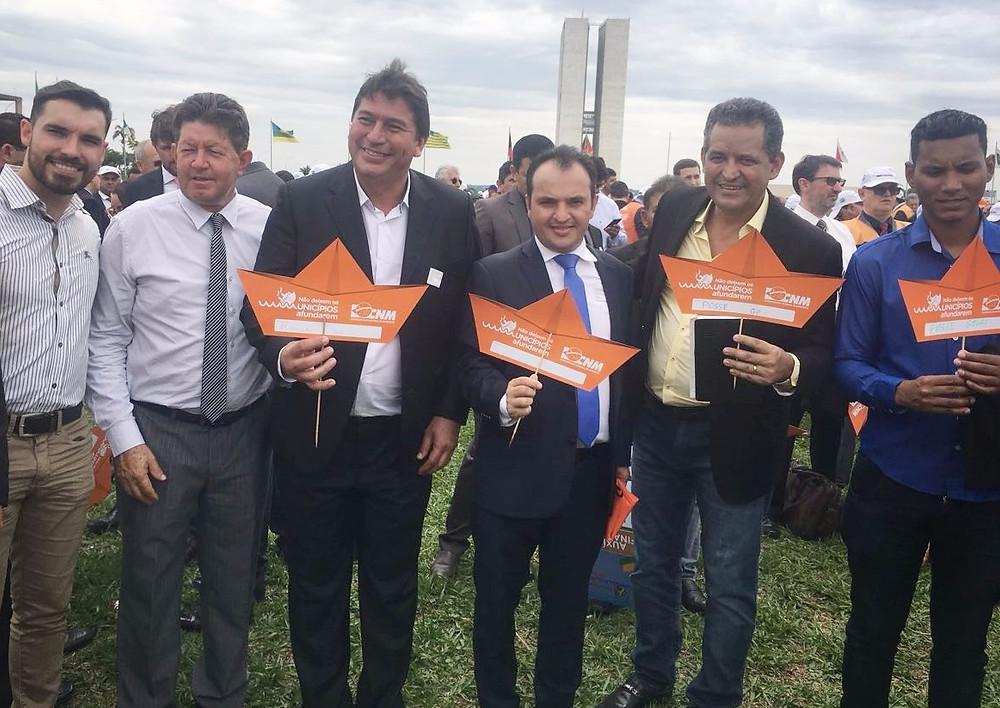 Pábio Mossoró participa em Brasília, de ato com prefeitos de todo o Brasil
