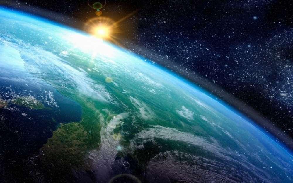 Vento solar deve atingir a terra hoje e pode afetar as telecomunicações