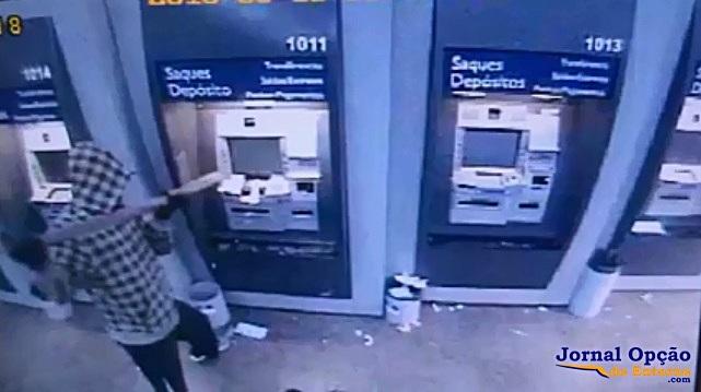 Sargento da PM é preso por roubo