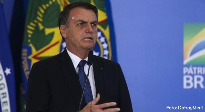 Bolsonaro volta a defender a indicação do próprio filho para a brasileira nos EUA
