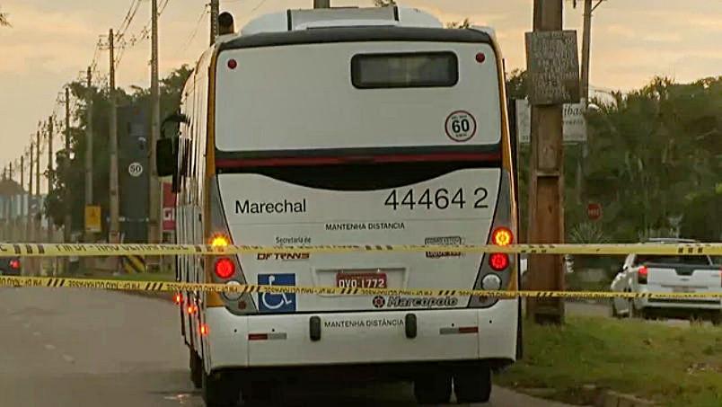 Mulher morre atropelada ao tentar fugir de assalto a ônibus no DF
