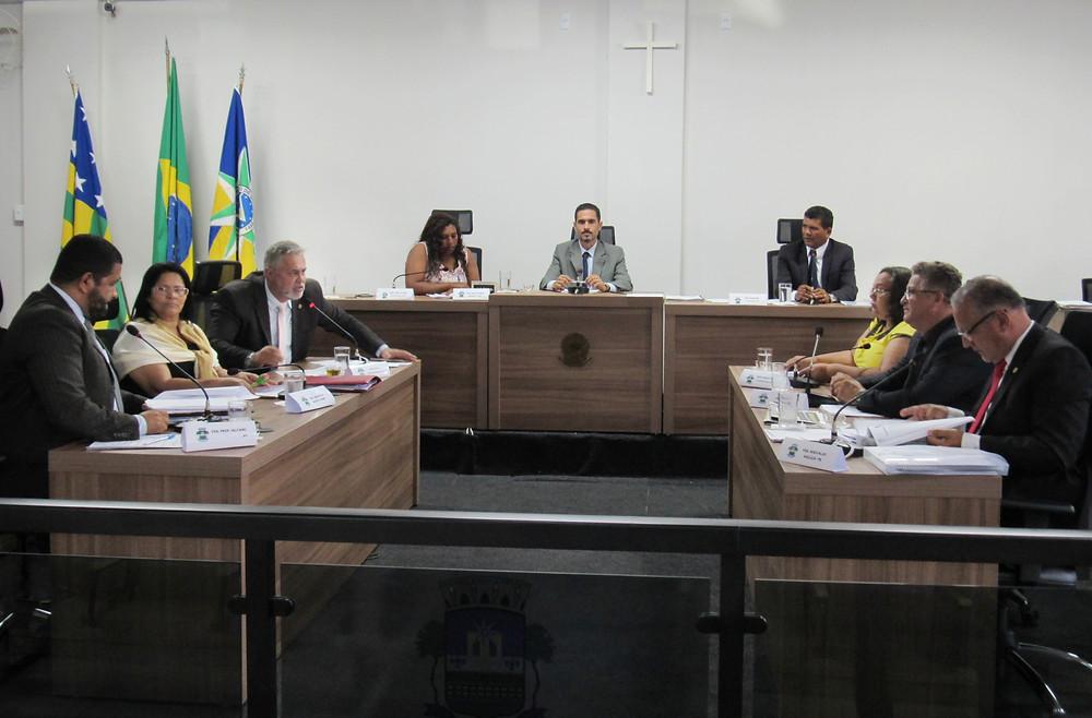Ânimos acirrados e até bate-boca marcam sessão na Câmara Municipal de Valparaíso que tratou, também, do IPTU 2018