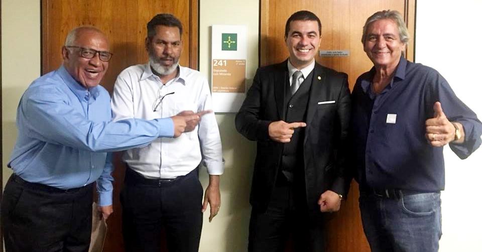 Deputado acusado de dar golpe milionário em seguidores das redes sociais tem alianças políticas em Valparaíso