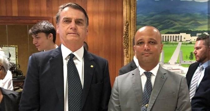 Bolsonaro escolhe o goiano Major Vitor Hugo como líder do PSL na Câmara Federal e escantea o Delegado Waldir