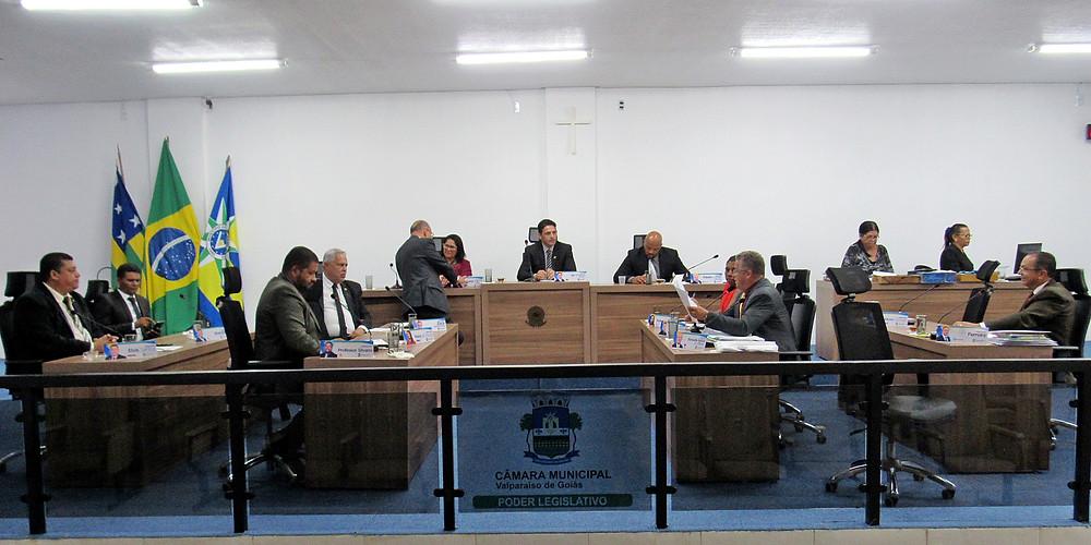 Vereadores governistas barram pedido de esclarecimentos sobre licitação supostamente fraudada