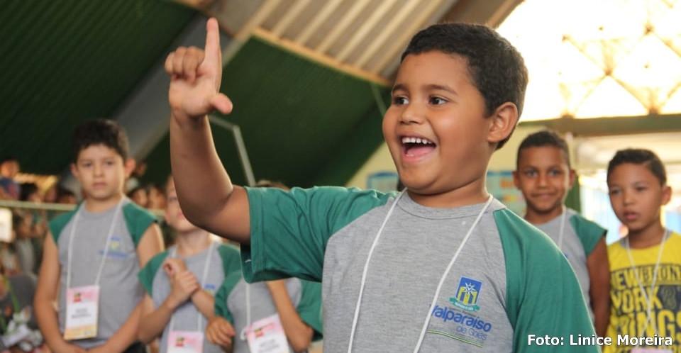 Em Valparaíso, alunos da Rede Pública Municipal de Ensino participam de projeto para inclusão de surdos e mudos