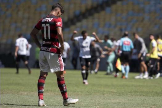 Flamengo perde para o fraco Ceará e torcida vaia