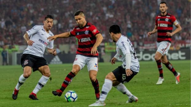 Flamengo e Corinthians empatam e decisão de quem vai à final da Copa do Brasil é adiada