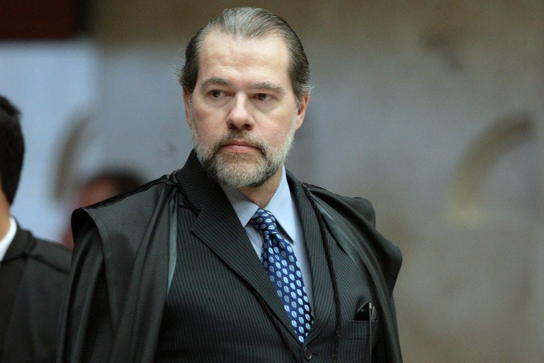 Ministro do STF rejeita pedido de Lula e mantém caso do Sítio de Atibaia com o juiz Sérgio Moro