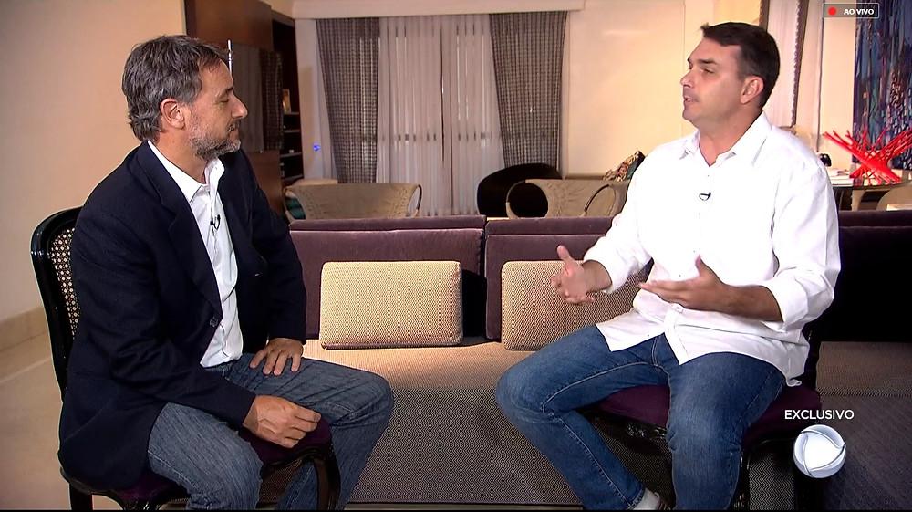 Flávio Bolsonaro dá entrevista e fala sobre suas movimentações financeiras consideradas suspeitas