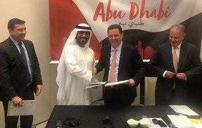 """Marconi Perisso assina """"protocolo de intenção"""" em Abu Dhabi"""
