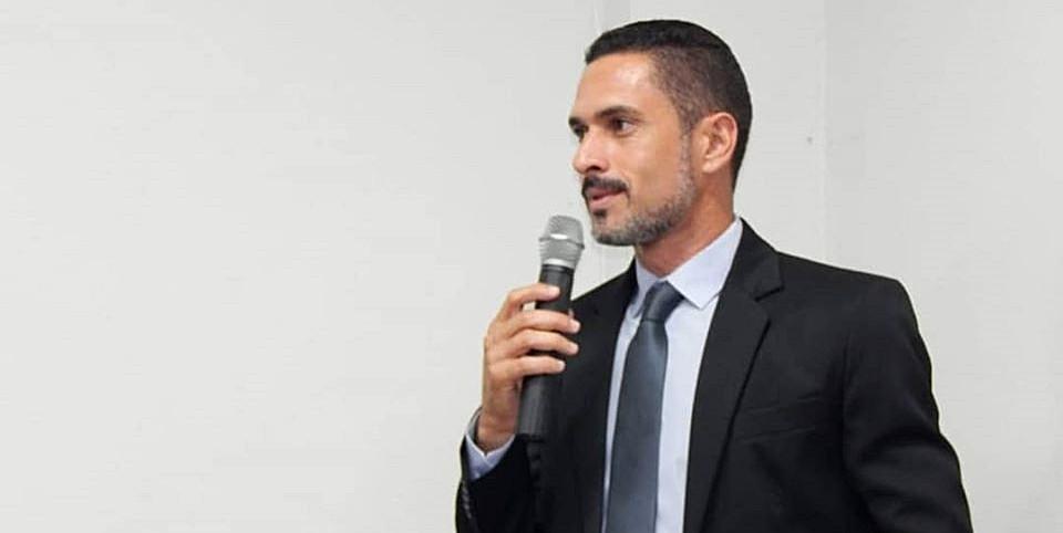 Vereador Alceu Gomes vai ter que deixar de ser o bom moço para todo mundo logo logo e desenhar seu futuro político