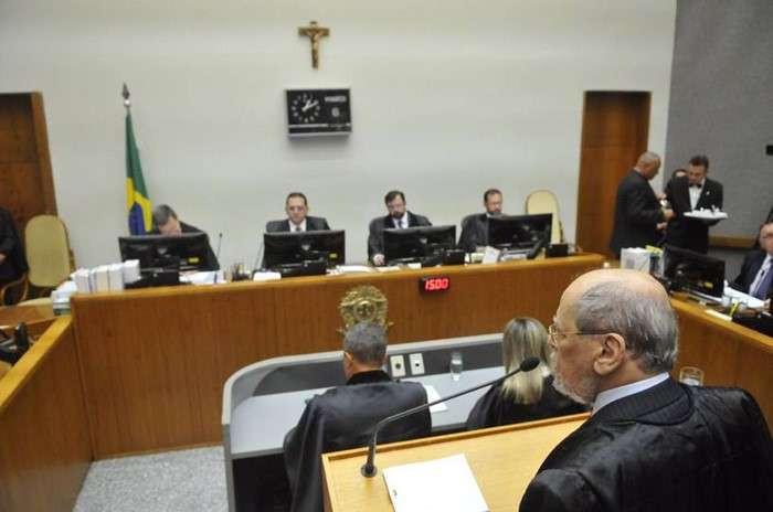 Por unanimidade STJ decide que Lula pode ser preso após recuso no TRF-4