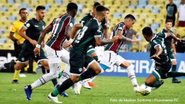 Cirúrgico, Goiás marca aos 45 do segundo tempo e vence o Fluminense sem pontaria
