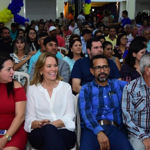 Eleições 2018 - Valparaisense, Leda Borges, rebe apoio em cidades do Oeste Goiano