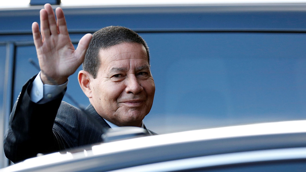 Mourão classifica o pedido de impeachment contra ele como UMA BOBAGEM