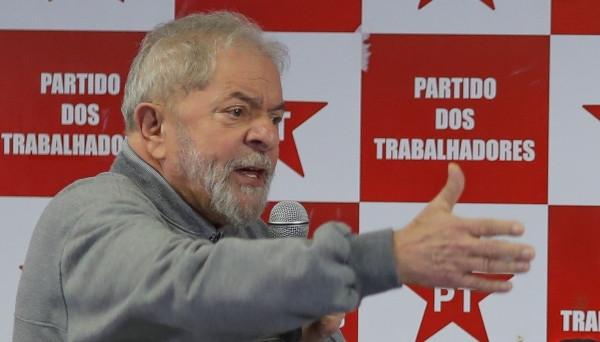 Justiça bloqueia R$ 600 Mil nas contas de Lula
