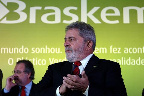 Emilio Odebrecht diz que Lula beneficiou construtoras com quase R$ 4 Bilhões em Angola