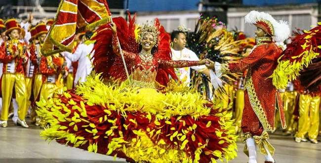 Três escolas de Samba se destacam na primeira noite de carnaval em São Paulo