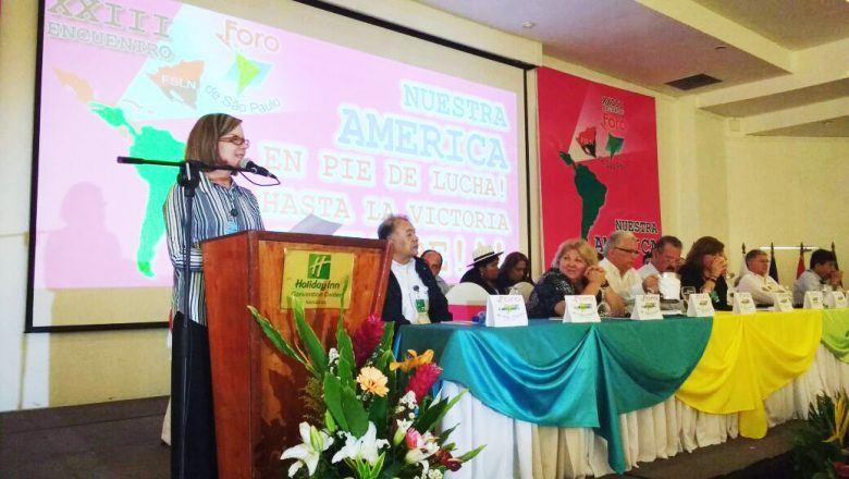 Gleisi Hoffmann declara apoio irrestrito do PT à ditadura venezuelana