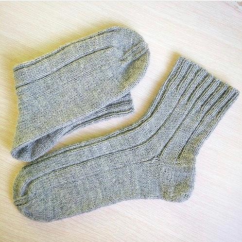 Вязаные мужские носки из шерсти
