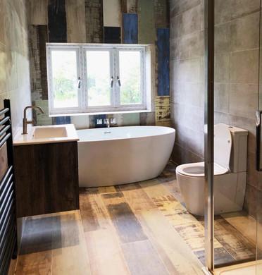 Woodruff Avenue bathroom 01.jpeg