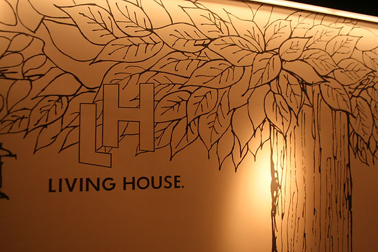26 LIVING HOUSE