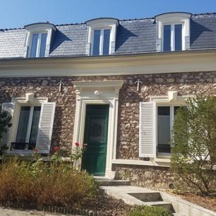 Remise en état d'une façade d'une maison en pierre
