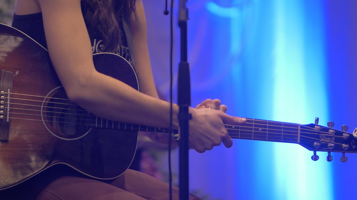 Emily Marques performing an Acoustic Set