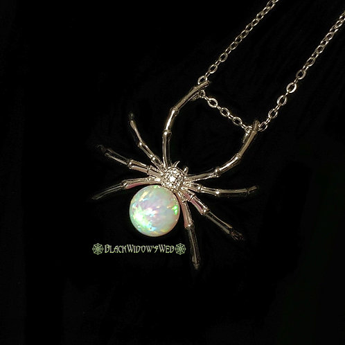 Neon Green Widow, SterlingSilver Necklace