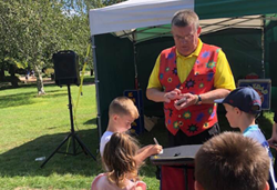 Children's close up magic, magic shows plymouth entertainer devon cornwall