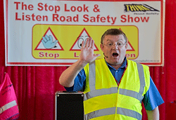 crossing the road education fun lesson road safety plymouth, devon, cornwall
