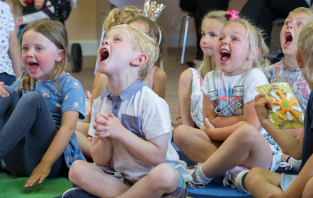birthday party magician children' entertainer plymouth devon cornwall