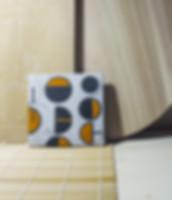 elemento decorativo in ceramica raku. dimensioni 15x15