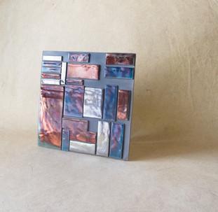 TALES OF TILES_DECO'- piastella raku e smalti metallizzati